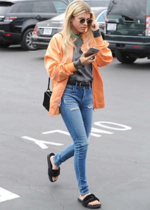 Sofia Richie In Tight Jeans At Fred Segal In West
