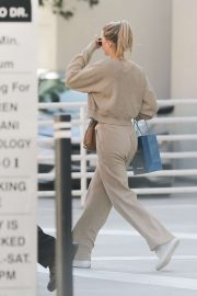 Sofia Richie - Leaves skincare clinic in Beverly Hills