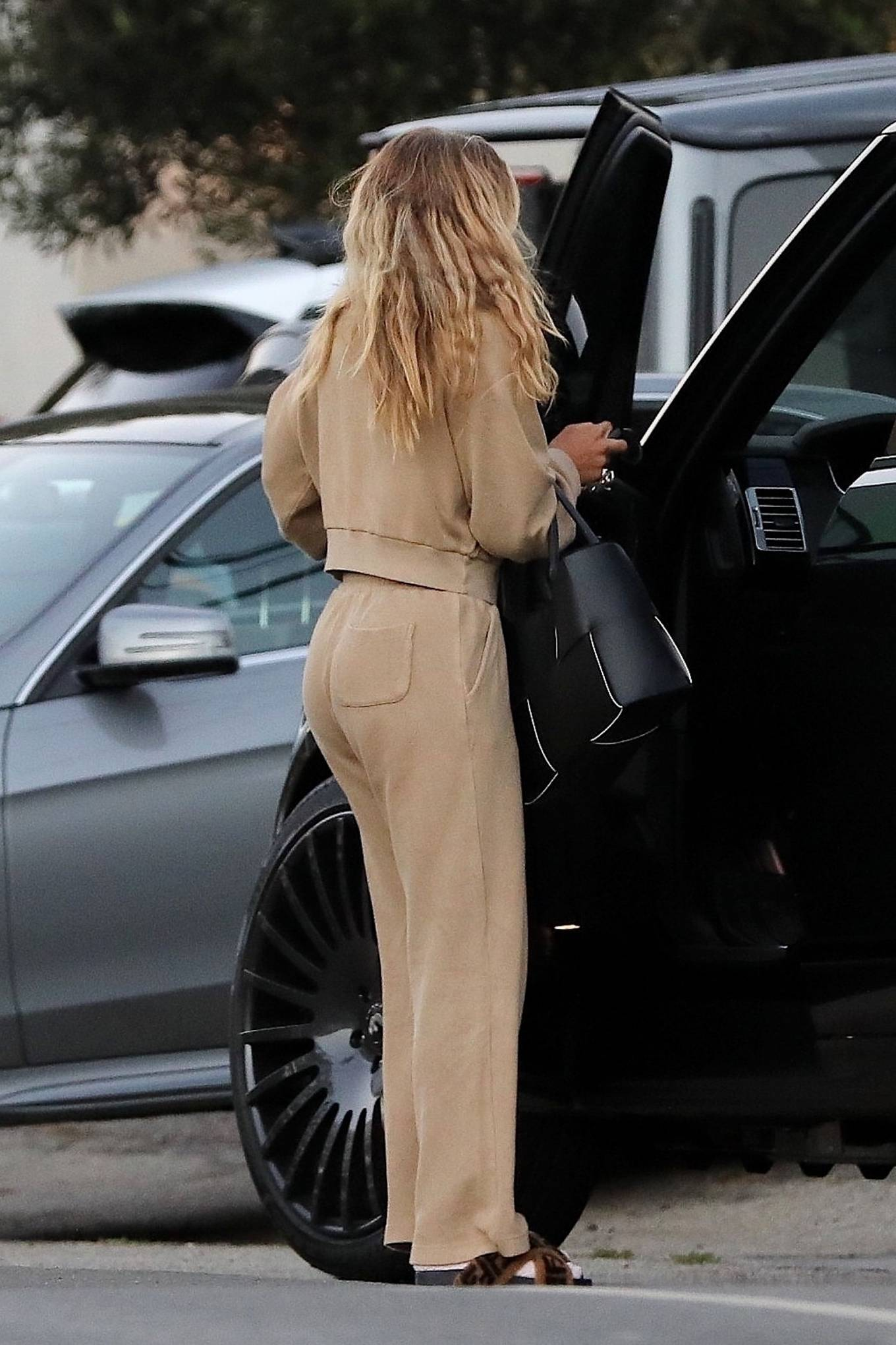 Sofia Richie - Looks stylish while leaving Malibu house