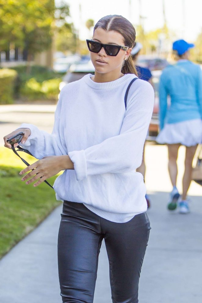 Sofia Richie - Out for a lunch in Agoura Hills
