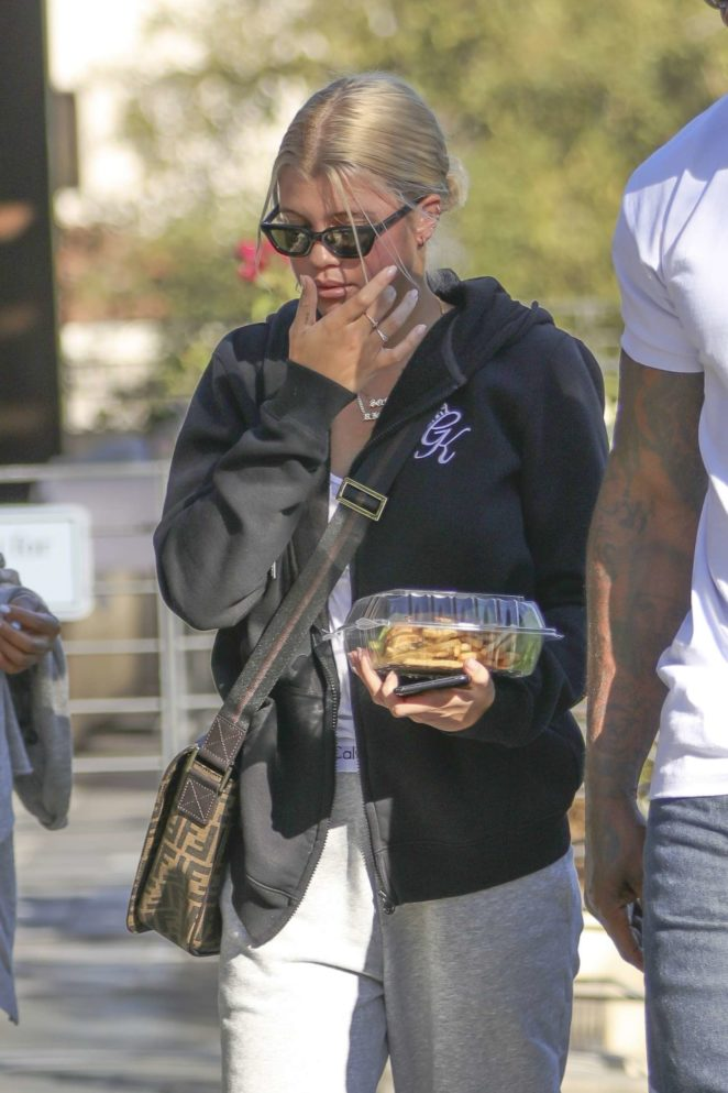 Sofia Richie out for lunch in Calabasas