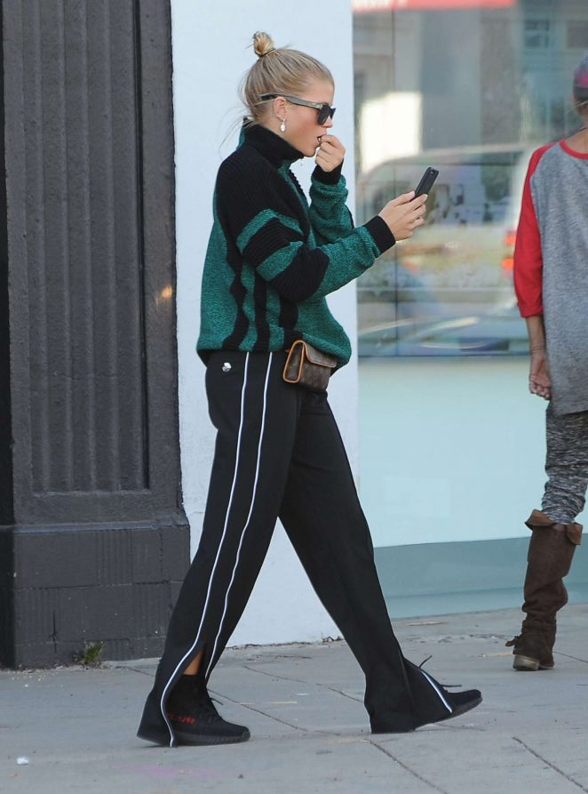Sofia Richie out shopping at Supreme -02