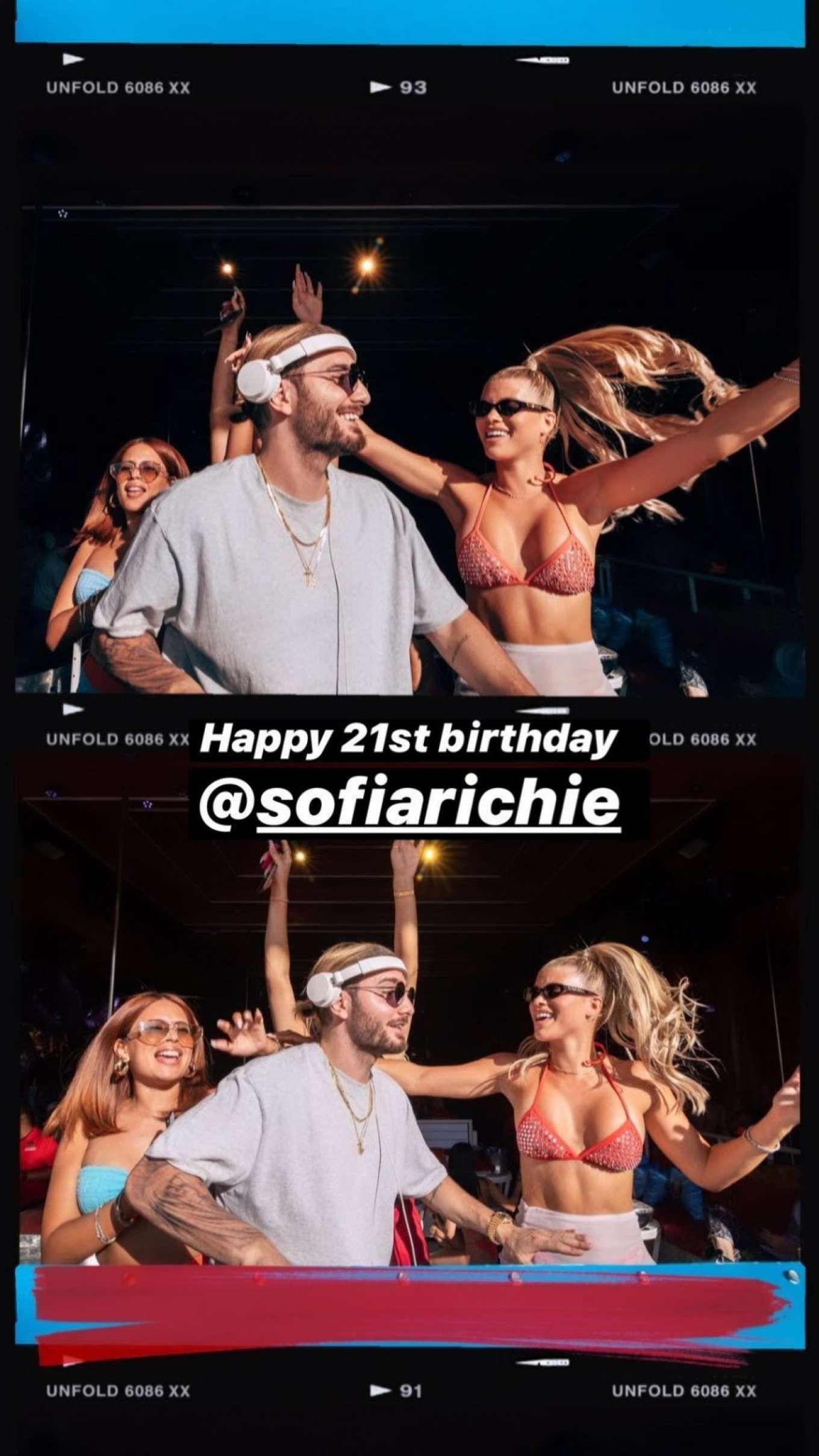Sofia Richie 2019 : Sofia Richie parties in the encore Beach club close to DJ Alesso in Las Vegas-03