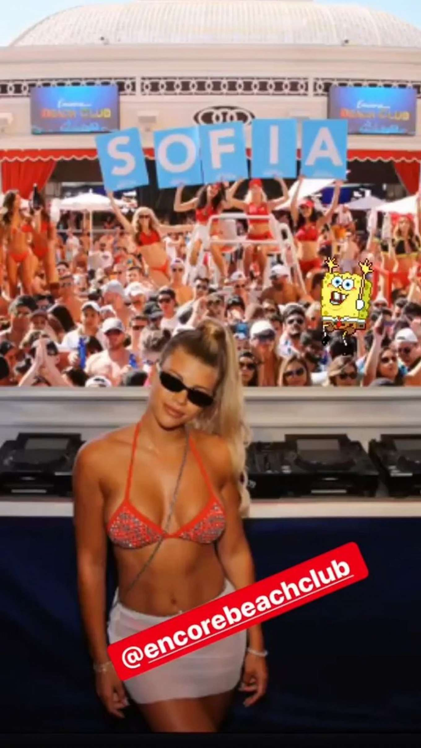 Sofia Richie 2019 : Sofia Richie parties in the encore Beach club close to DJ Alesso in Las Vegas-04