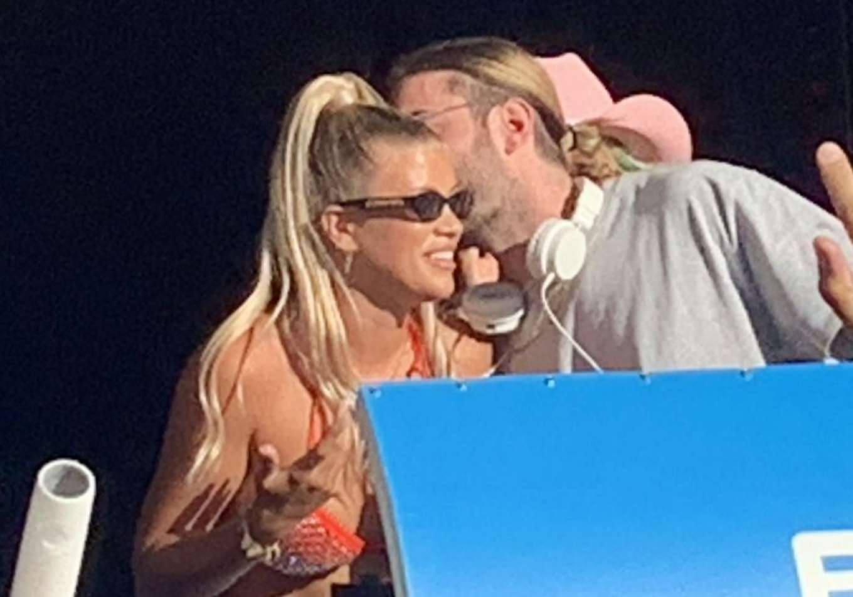 Sofia Richie 2019 : Sofia Richie parties in the encore Beach club close to DJ Alesso in Las Vegas-10