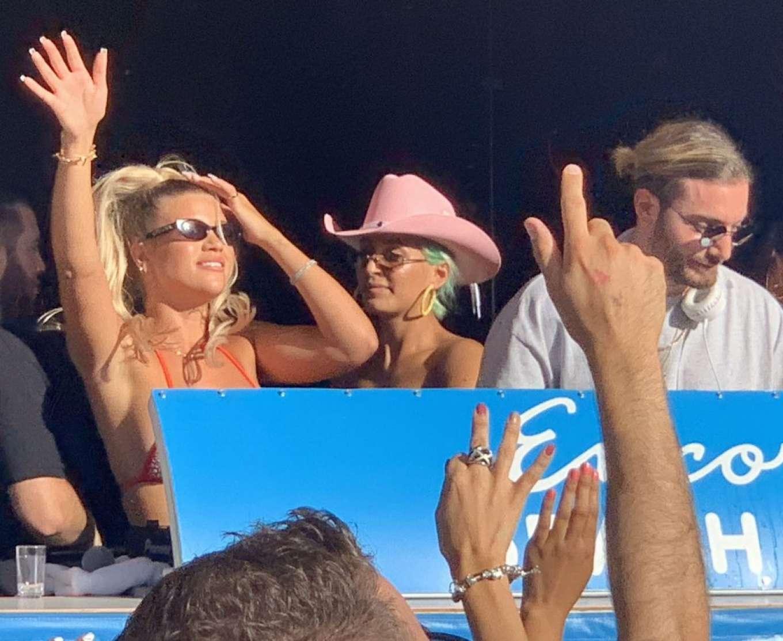 Sofia Richie 2019 : Sofia Richie parties in the encore Beach club close to DJ Alesso in Las Vegas-11