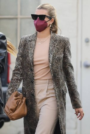 Sofia Richie - Seen arriving for a lunch in Beverly Hills