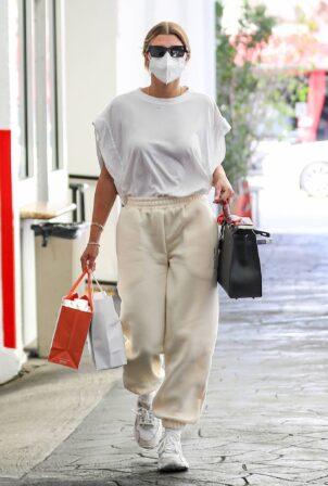 Sofia Richie - Seen at her dermatologist in Beverly Hills