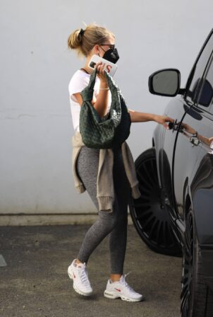 Sofia Richie - Shopping candids at Rick Owens in Los Angeles