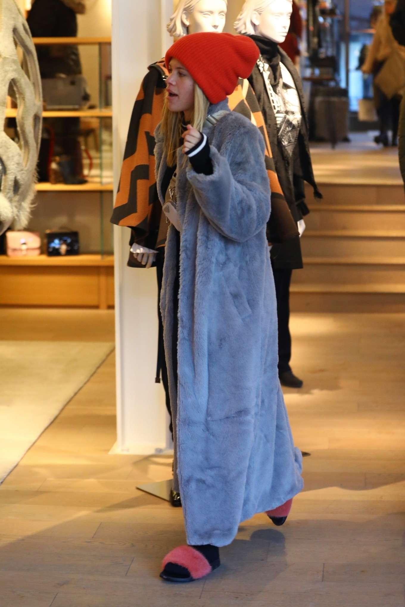 Sofia Richie 2020 : Sofia Richie – Shopping in Aspen-06