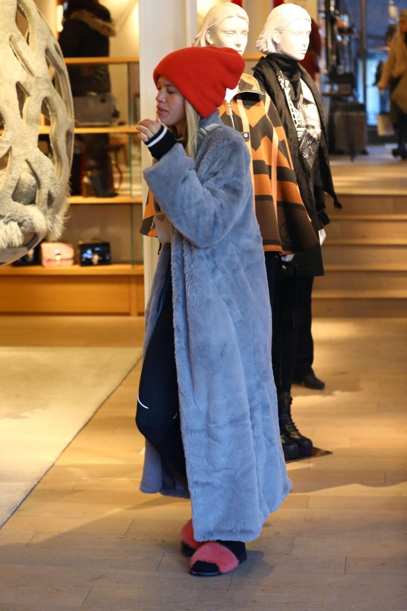 Sofia Richie 2020 : Sofia Richie – Shopping in Aspen-09