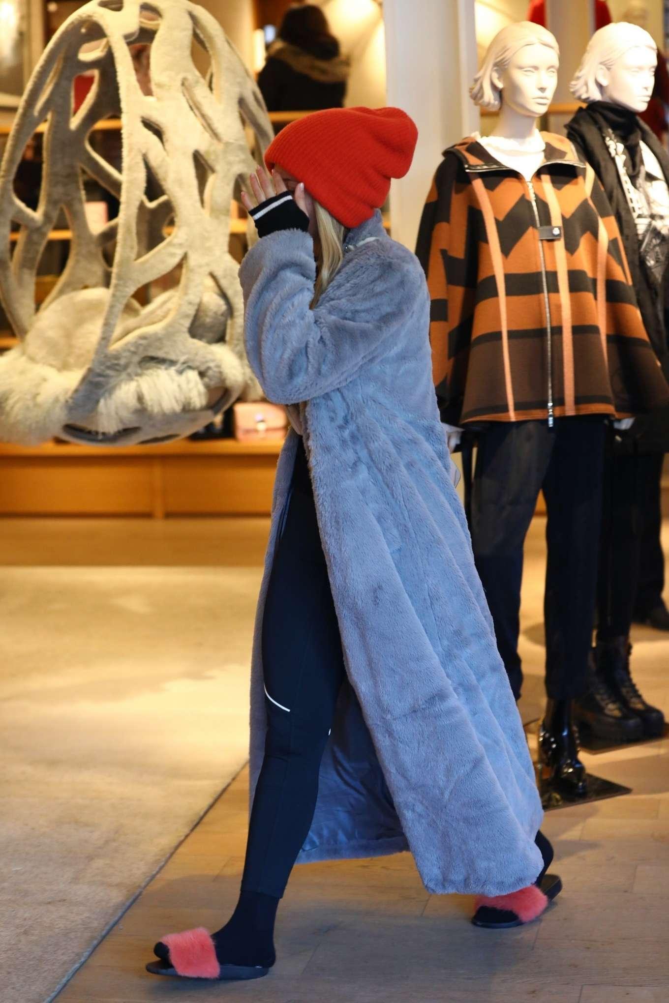Sofia Richie 2020 : Sofia Richie – Shopping in Aspen-15