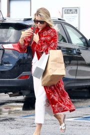 Sofia Richie - Shopping with a friend in Malibu