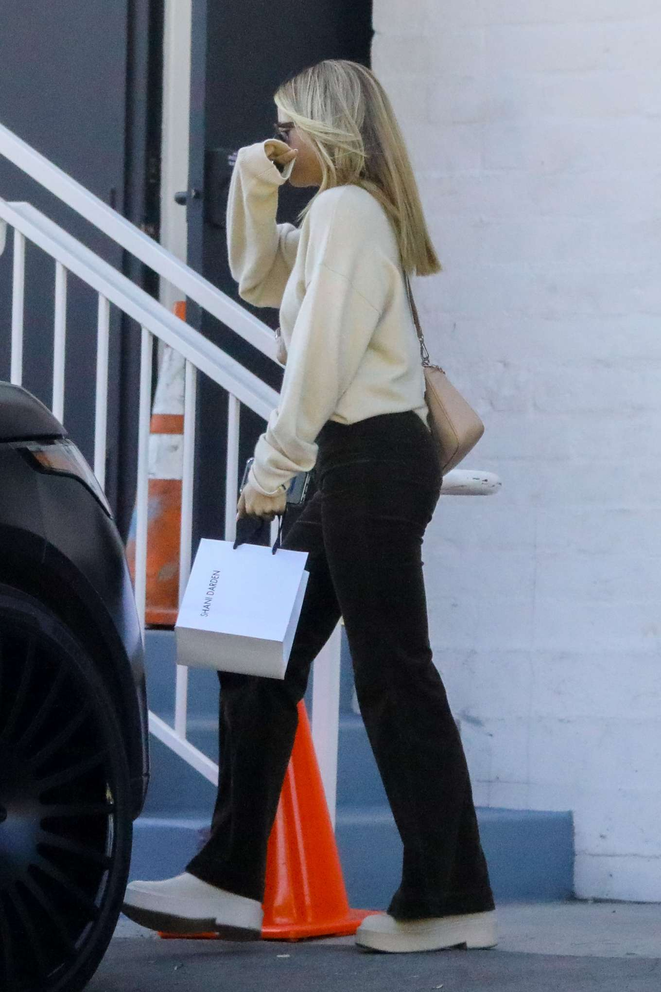 Sofia Richie 2020 : Sofia Richie – Spotted while out and about in Beverly Hills-12