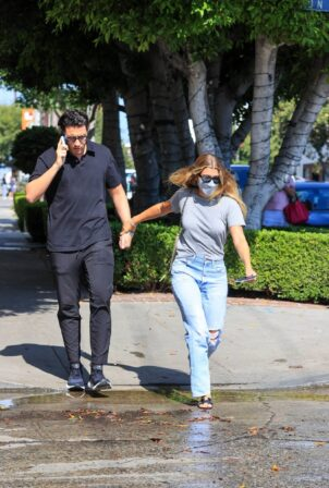 Sofia Richie - With her boyfriend Elliot Grainge on Melrose Place in West Hollywood