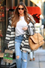 Sofia Vergara at Kreation Organic in Beverly Hills