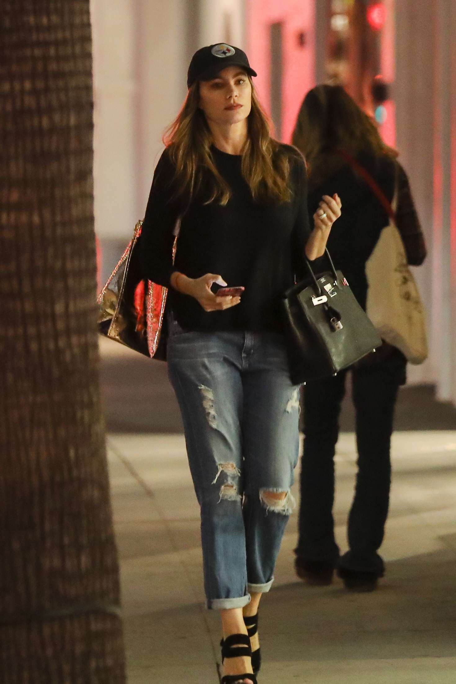 Sofia Vergara in Jeans at Christmas shopping in Beverly Hills