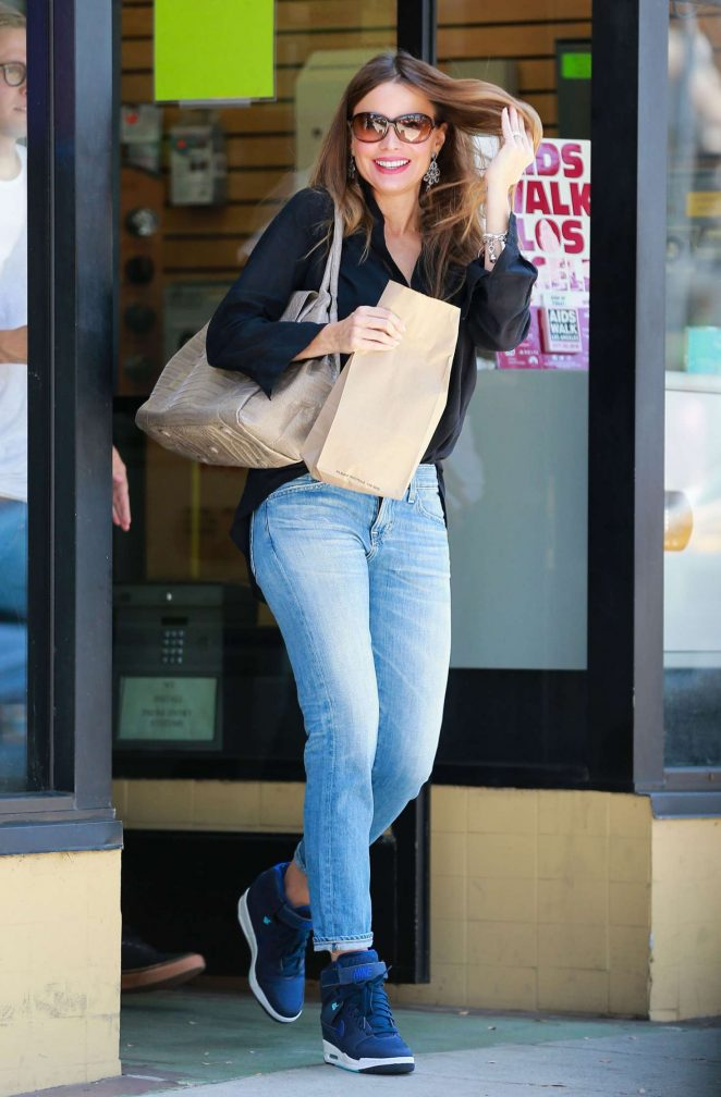 Sofia Vergara in Jeans Leaving a Post Office in Beverly Hills