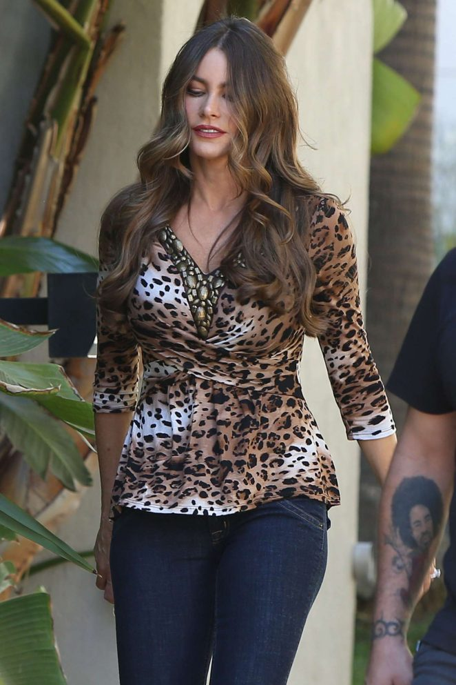 Sofia Vergara in Jeans on the set of 'Modern Family' in Los Angeles