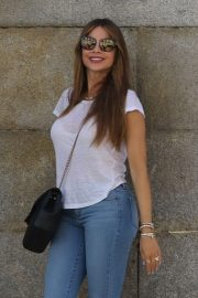 Sofia Vergara in Jeans - Out in Madrid
