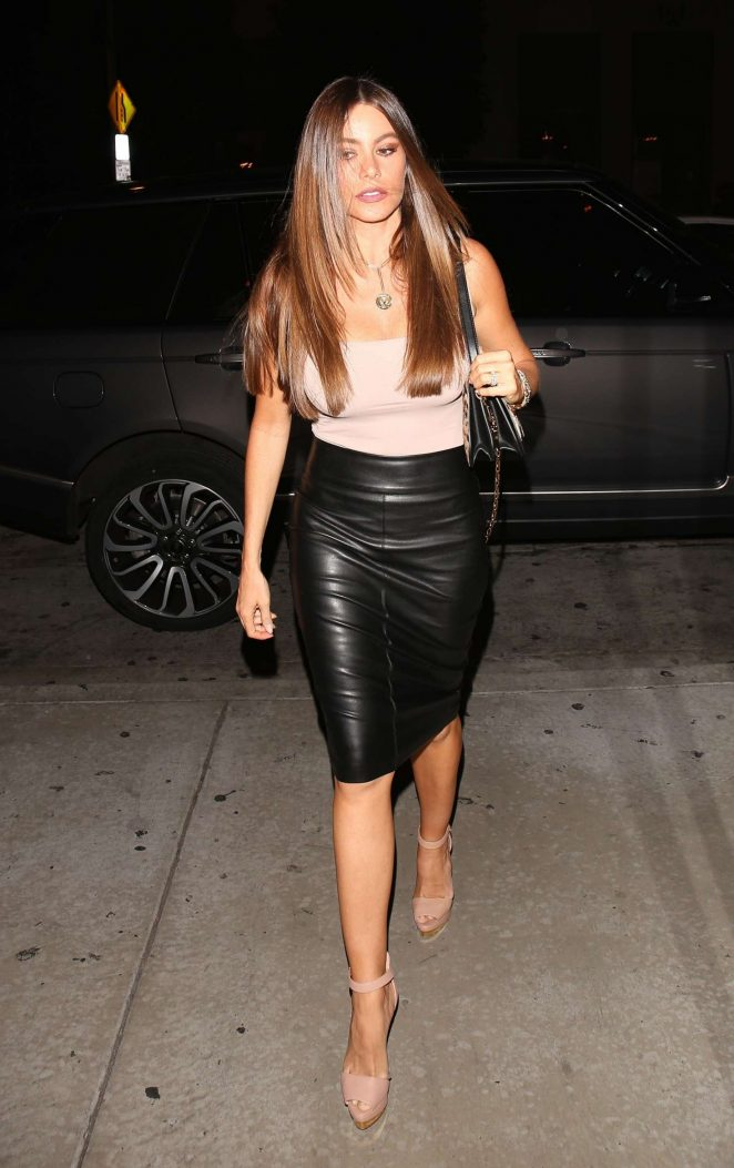Sofia Vergara in Leather Skirt -02