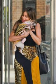 Sofia Vergara - Leaves medical building with her pooch in Los Angeles
