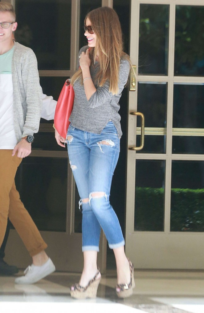 Sofia Vergara - Leaving her apartment in Brentwood