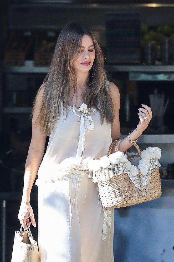 Sofia Vergara - Leaving Kreation Organic Juicery in Beverly Hills