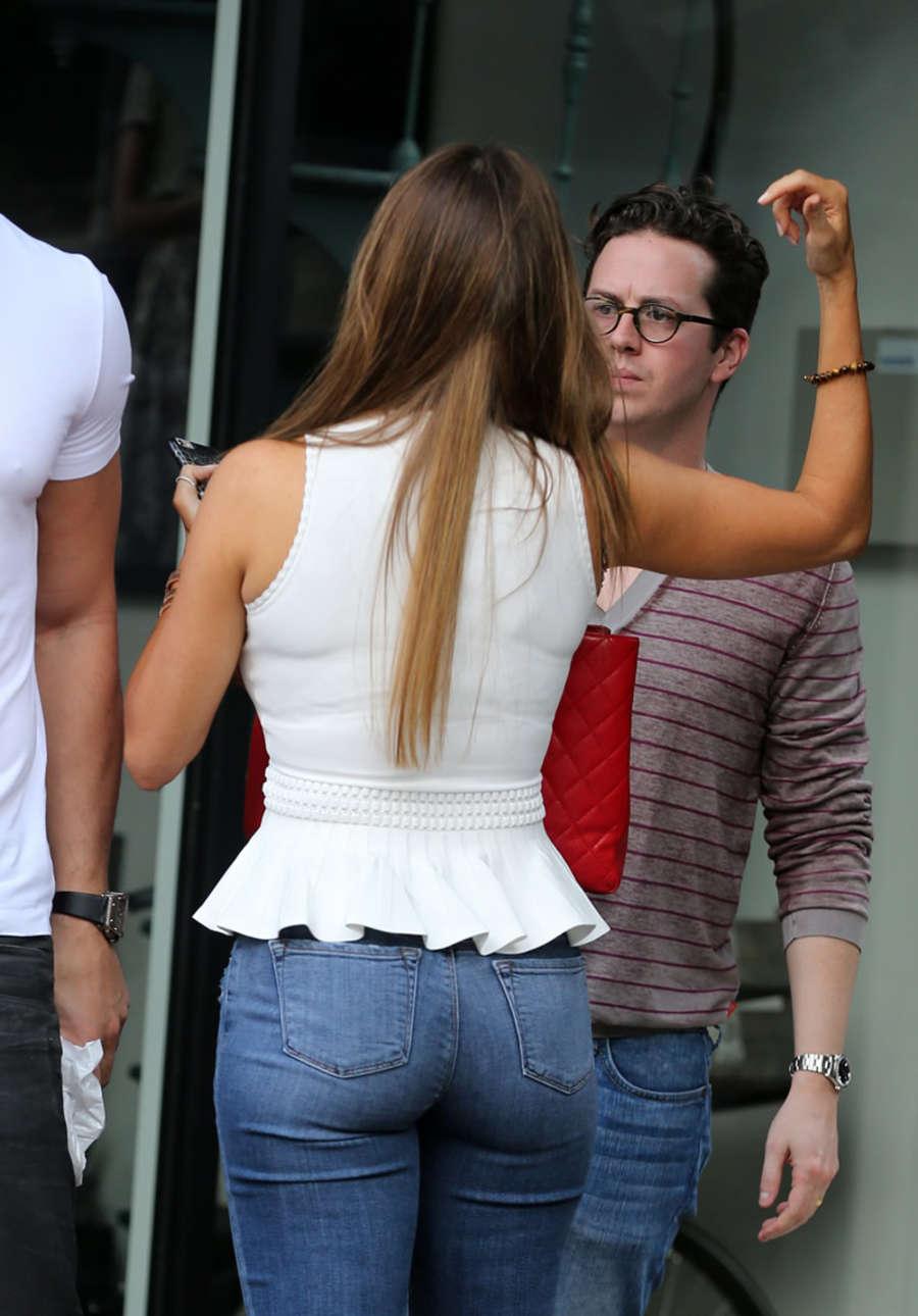 Sofia Vergara Booty in Jeans -17 | GotCeleb