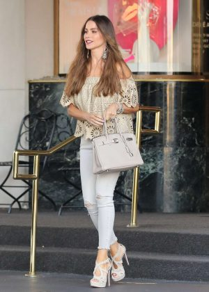 Sofia Vergara - Leaving Saks Fifth Avenue in Beverly Hills