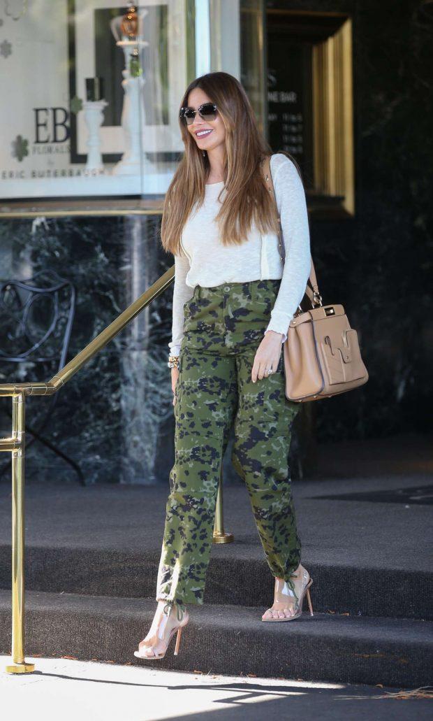 Sofia Vergara - Leaving Saks Fifth Avenue in Beverly Hills