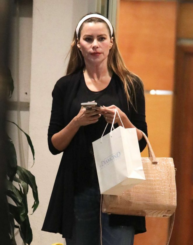 Sofia Vergara - Leaving The Diamond Face Institute in Beverly Hills