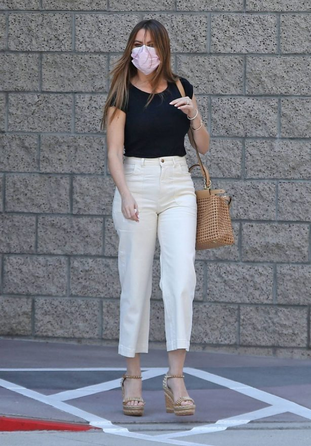 Sofia Vergara - Out and about in Los Angeles