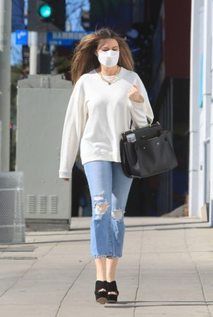 Sofia Vergara - Pictured at hair removal place in Beverly Hills