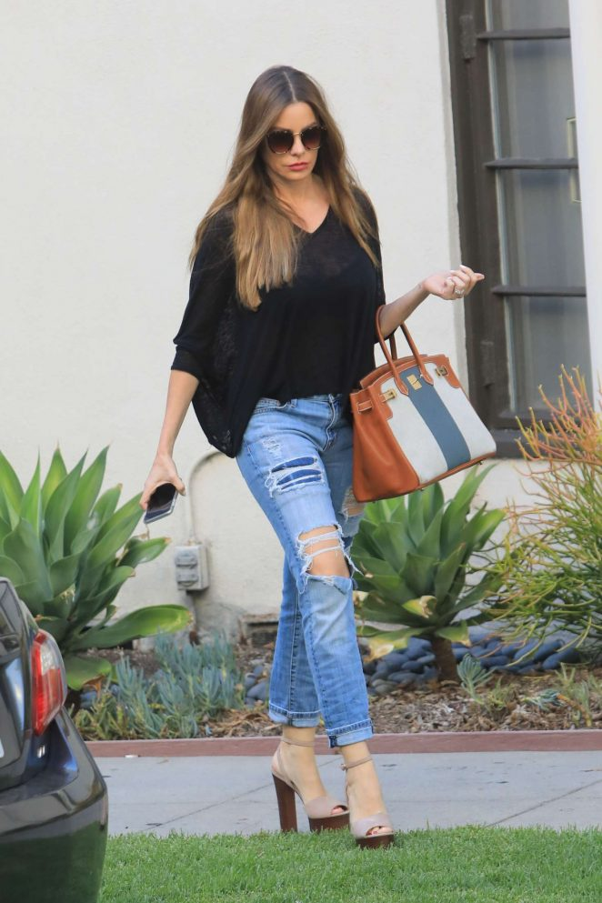 Sofia Vergara - Shopping in Beverly Hills