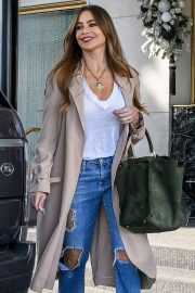 Sofia Vergara - Shopping trip at Saks Fifth Avenue in Beverly Hills