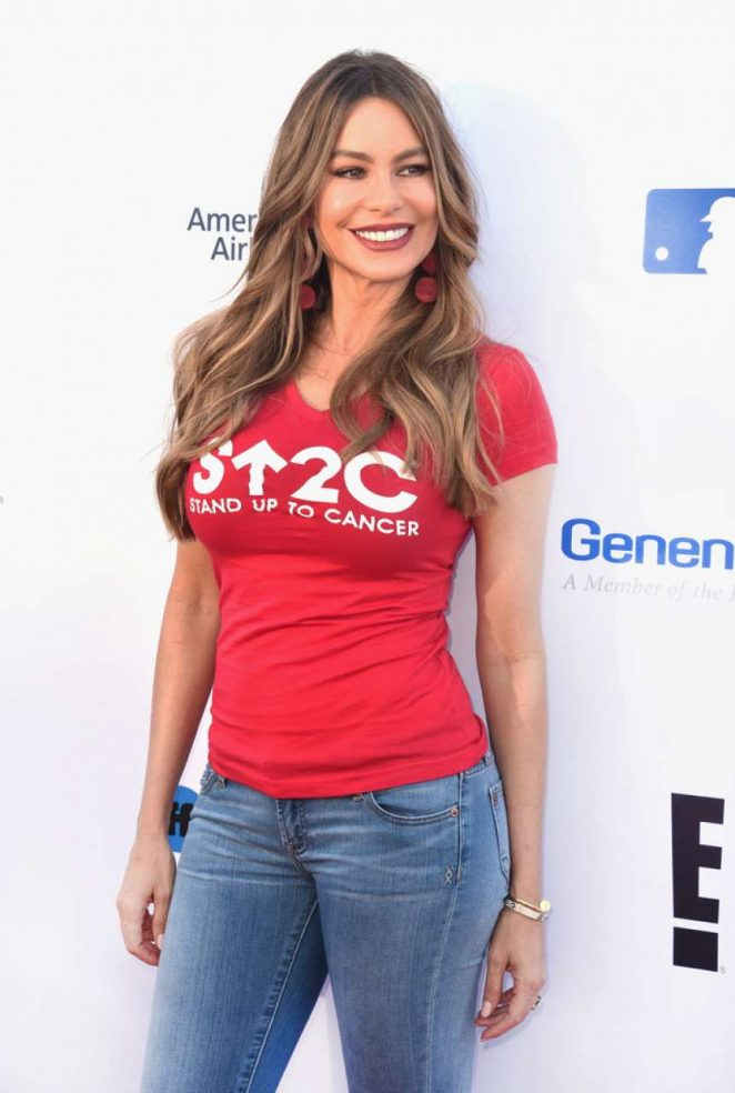 Sofia Vergara - Stand Up To Cancer Live in Los Angeles