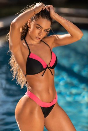 Sommer Ray - Bikini photoshoot
