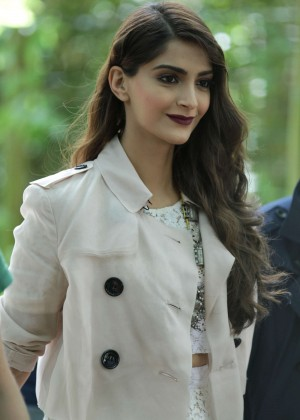 Sonam Kapoor - Burberry Men's Fashion Show in London