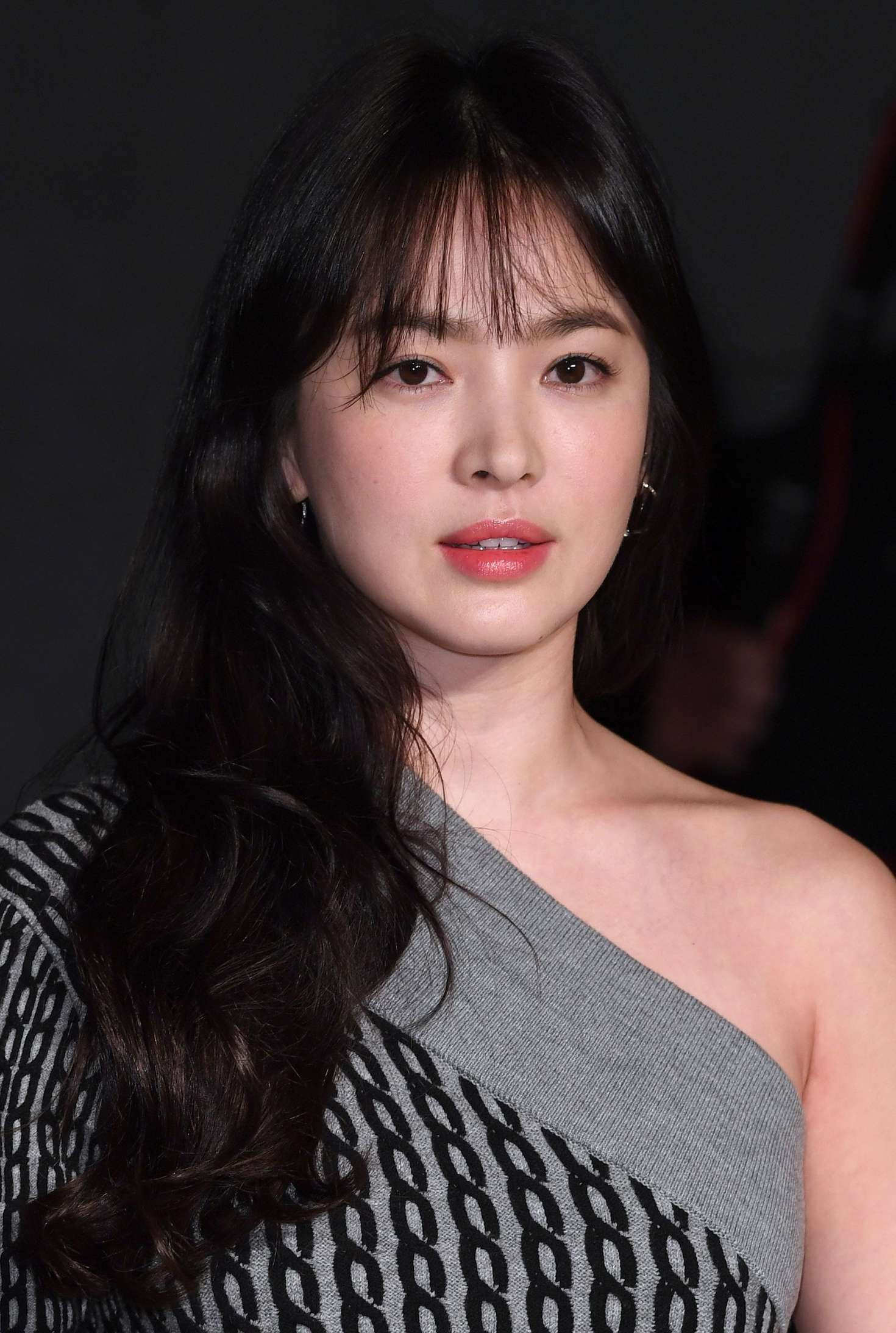 Song Hye Kyo: Burberry Show at 2017 LFW -11 – GotCeleb
