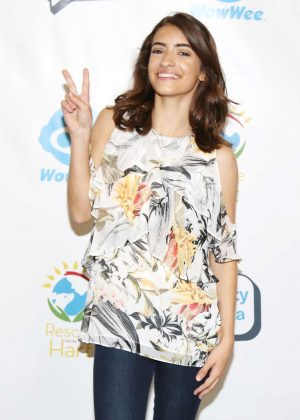 Soni Bringas - Celebrities To The Rescue in Los Angeles