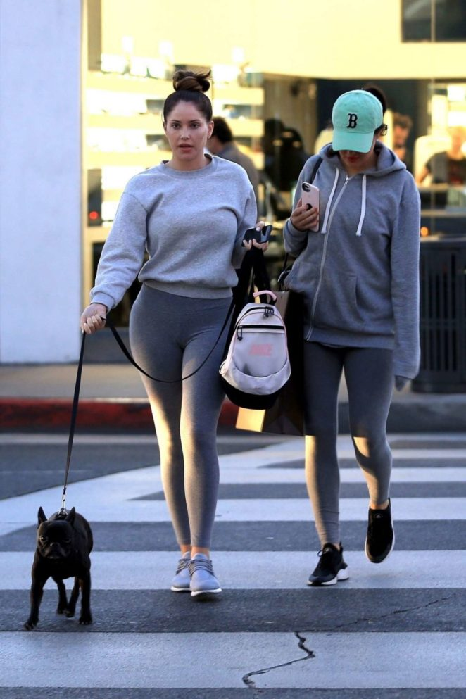 Sophia and Olivia Pierson – Shopping in Beverly Hills