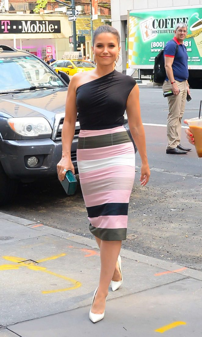 Sophia Bush - Arriving to the Bowery Hotel in New York