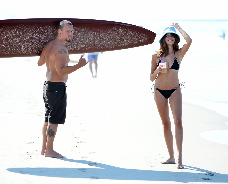 Sophia Culpo 2020 : Sophia Culpo – In a black bikini on the beach in Venice-03
