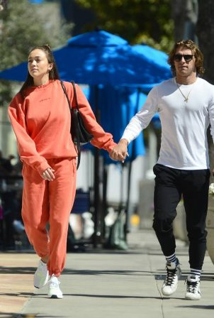 Sophia Culpo - With Braxton Berrios on the PDA after lunch in West Hollywood