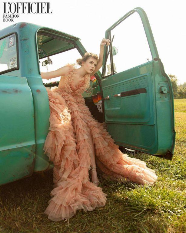 Sophia Lillis - L'Officiel Fashion Book