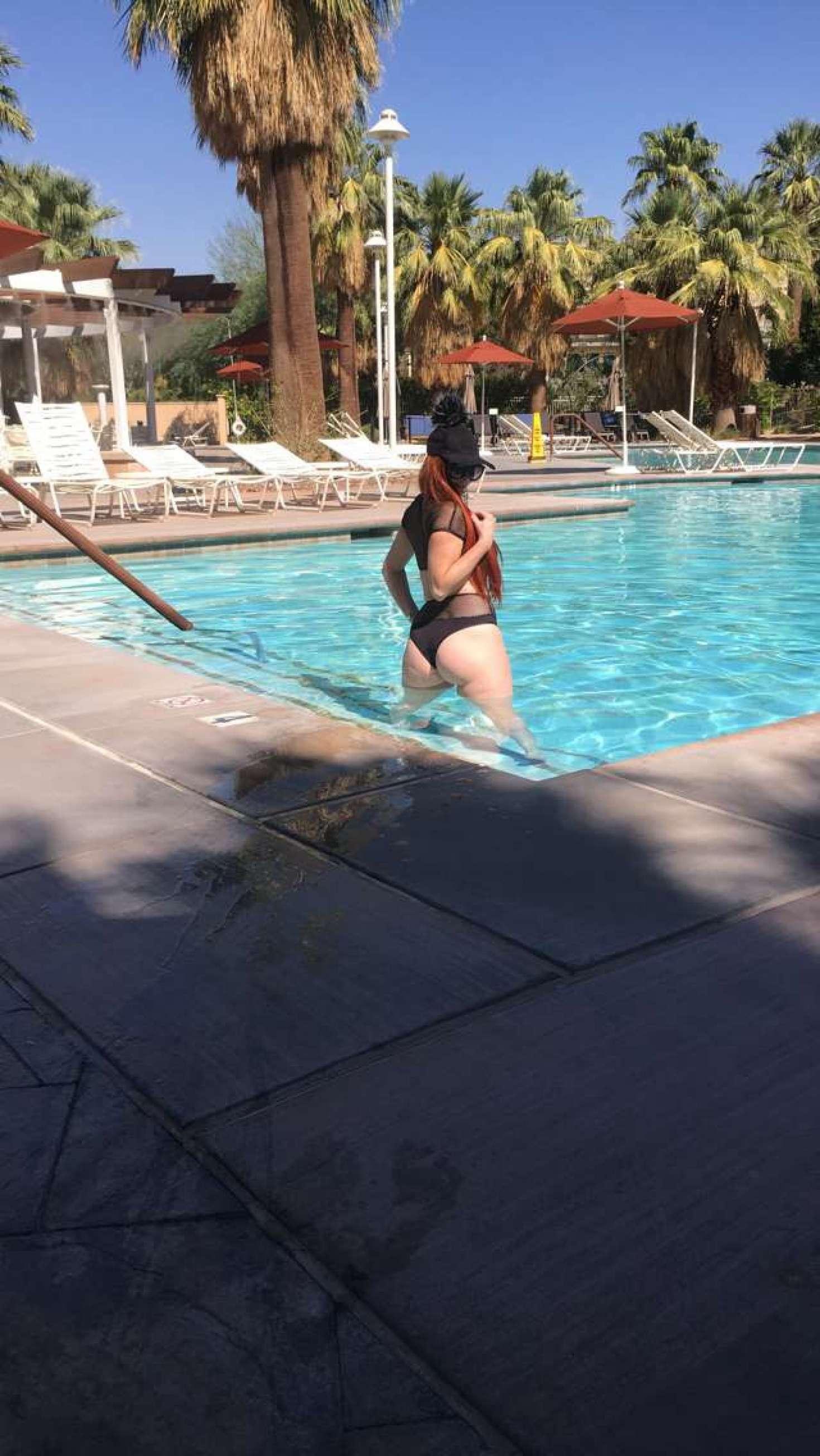 Sophia Vegas 2017 : Sophia Vegas and Phoebe Price: In Bikini poses at the pool in Palm Springs-10