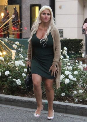 Sophia Vegas Wollersheim - Christmas Shopping on Rodeo Drive in LA