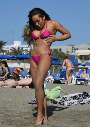 Sophie Kasaei in Pink Bikini on the beach in Lanzarote Pic 8 of 35