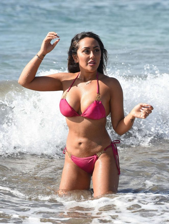 Sophie Kasaei in Pink Bikini on the beach in Lanzarote Pic 1 of 35